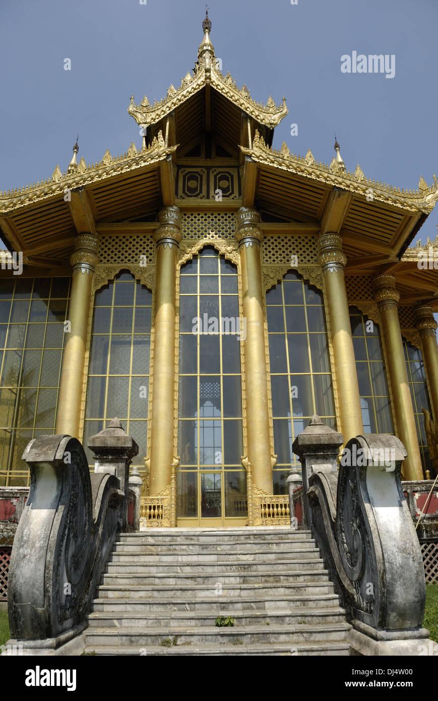 Kambawzathardi Golden Palace Foto de stock