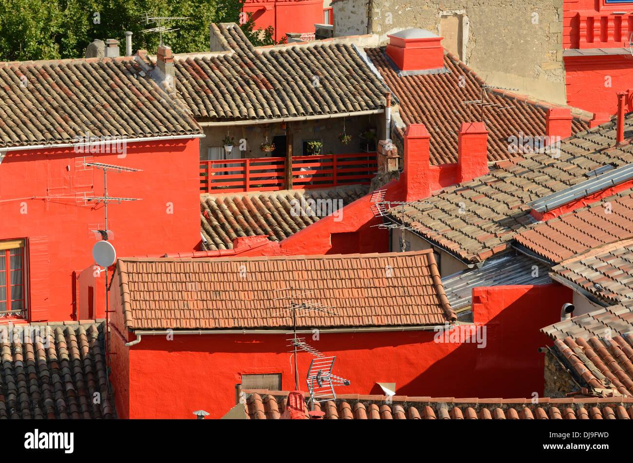 Casa Pintada De Rojo Fotos e Imágenes de stock - Alamy