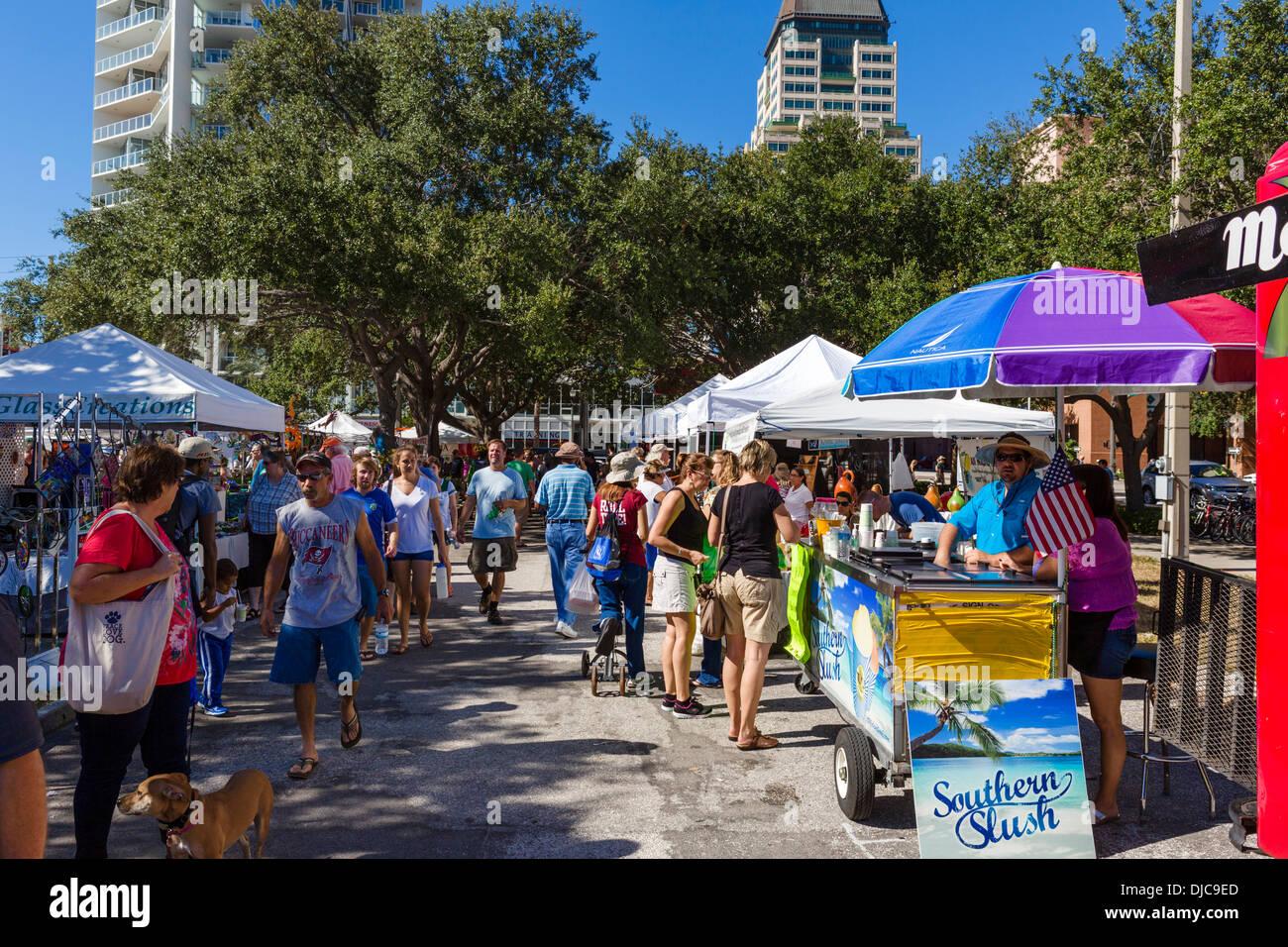 Sábado por la mañana, mercado, Progress Energy Park, St Petersburg, Florida, EE.UU. Imagen De Stock