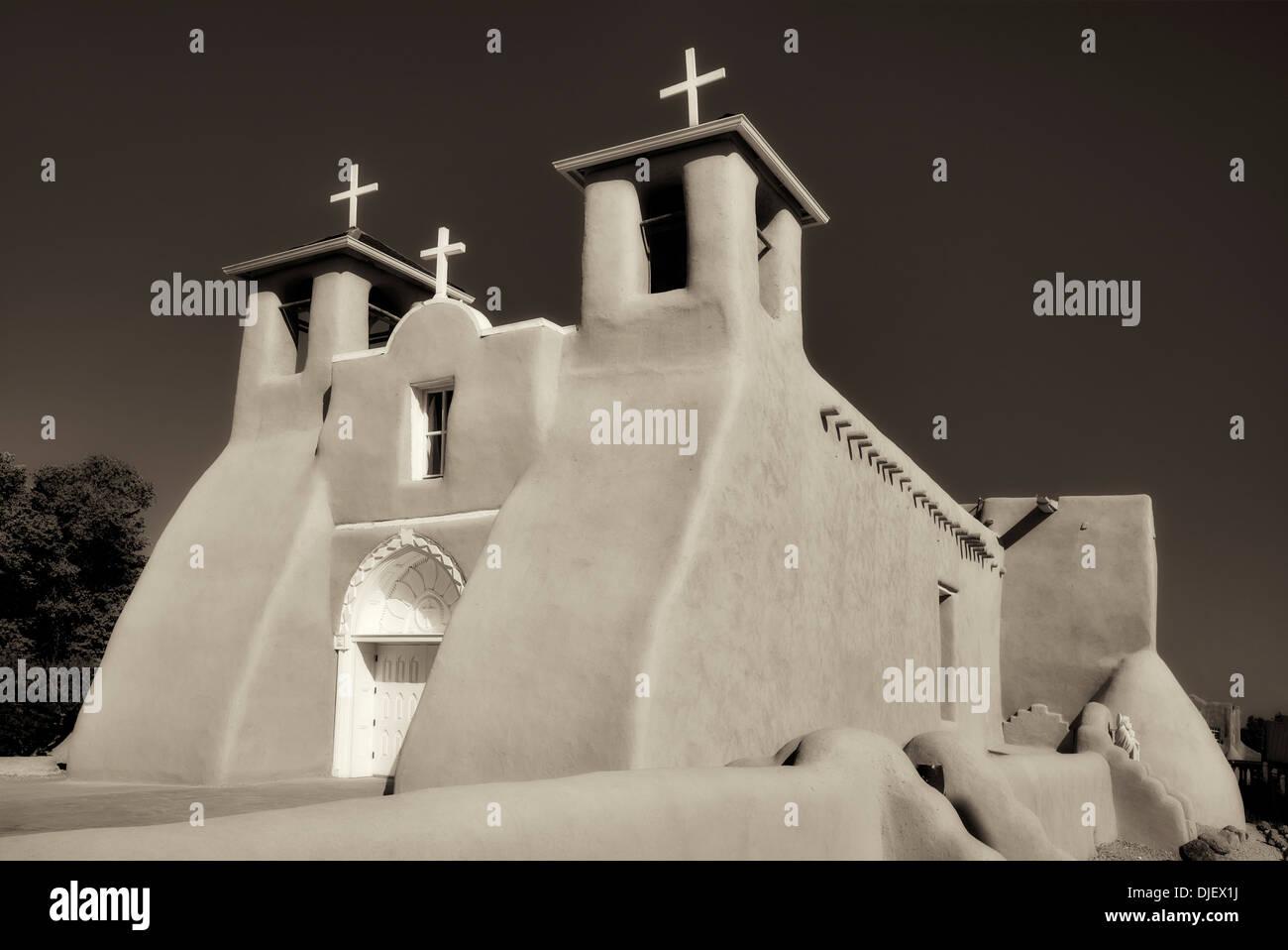 San Francisco de Asis Iglesia Católica. Taos de Nuevo México Imagen De Stock