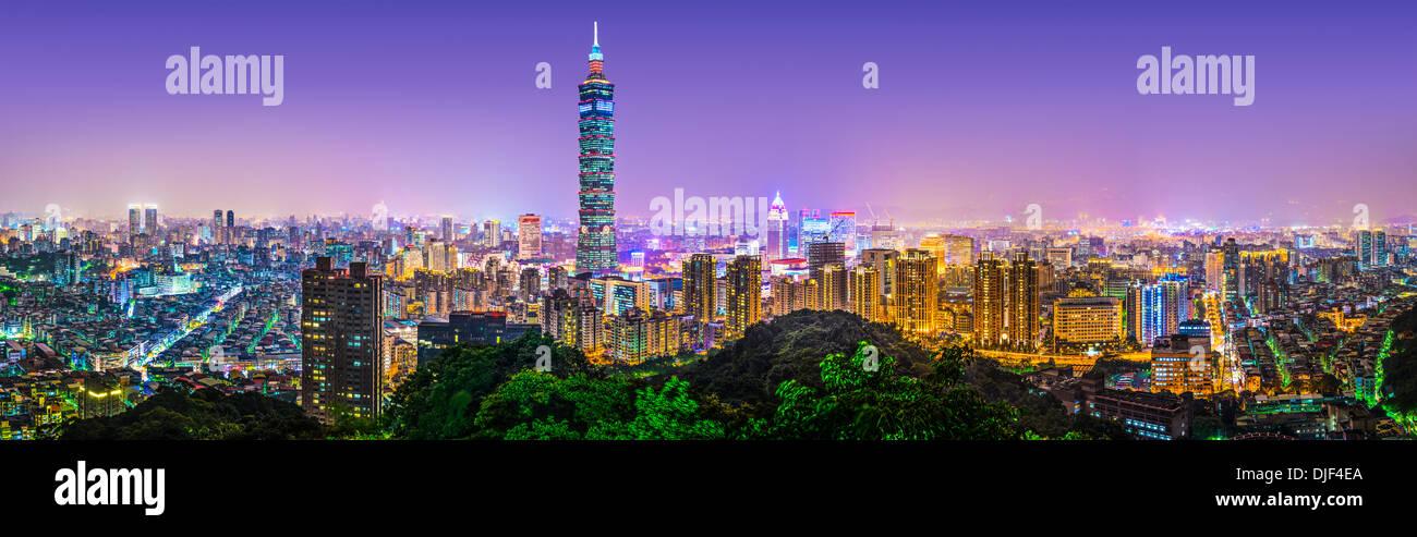 Taipei, Taiwán skyline panorama. Imagen De Stock