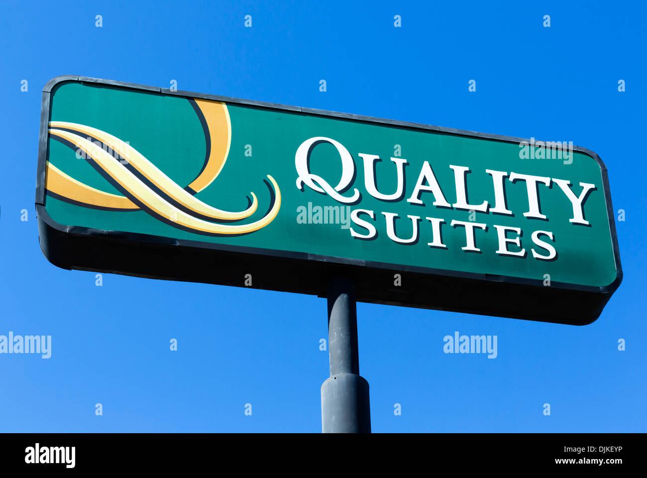 Quality Suites Hotel firmar, en el centro de Florida, EE.UU. Foto de stock