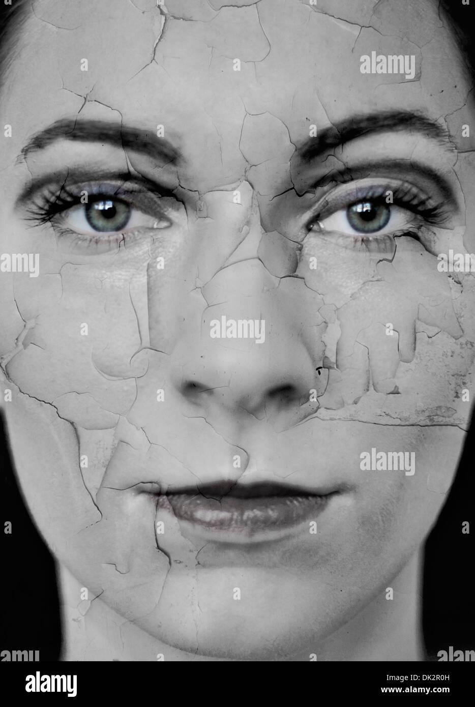 Mujer con sequedad de la piel agrietada, compuesta digital Imagen De Stock