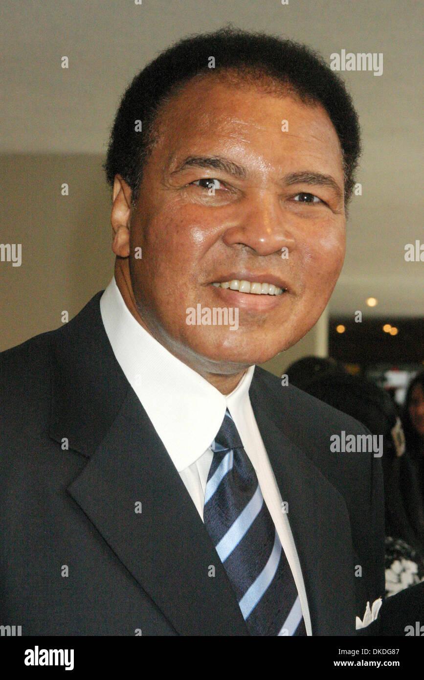 Jan 17, 2007; Nueva York, NY, EE.UU.; el ex Campeón del Mundo de Peso Pesado el boxeador Muhammad Ali (nacido Cassius Foto de stock