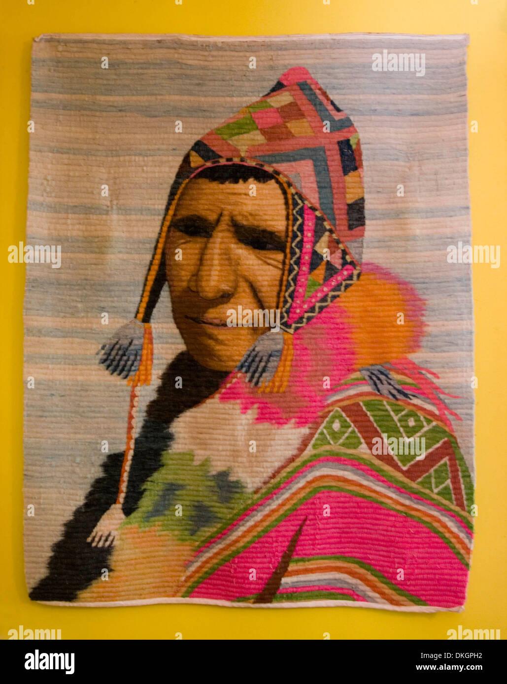 Hechos a mano la pared cuelgan de lana tejida mostrando un retrato de un  hombre indígenas 08d90edc7fa