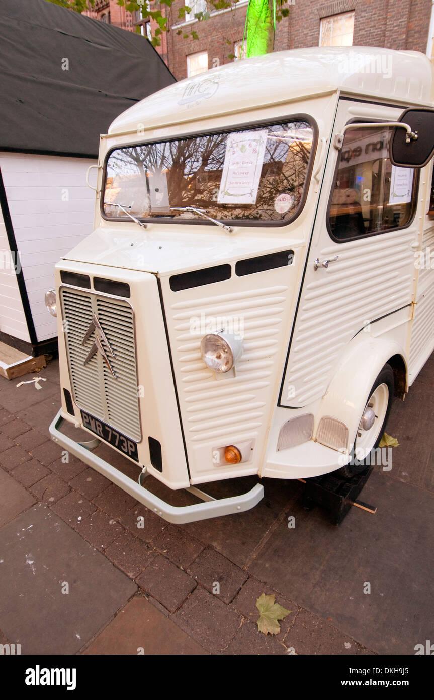 Citroën H Van furgonetas francés antiguo campesino de acero corrugado prensadas presionado Foto de stock