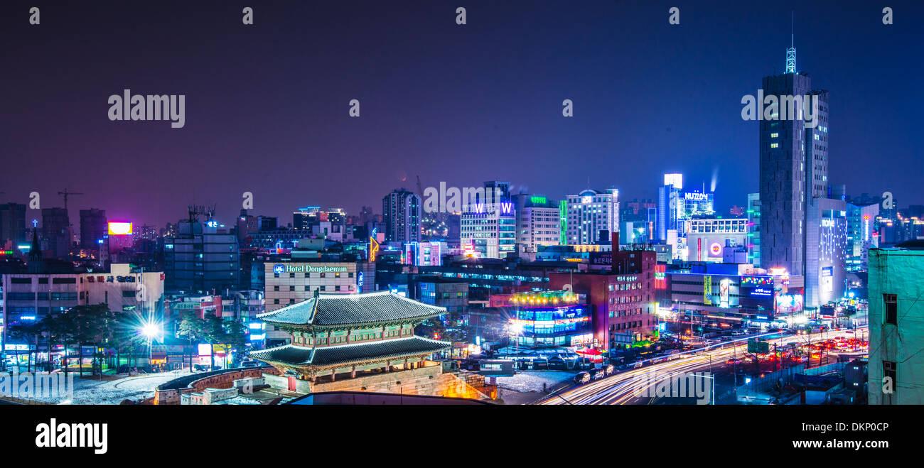 Seúl, Corea del Sur panorama Namdaemun Imagen De Stock