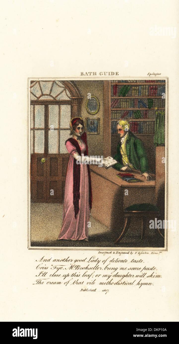 Moda Mujer en una Regencia libreros en Bath, 19thC. Imagen De Stock