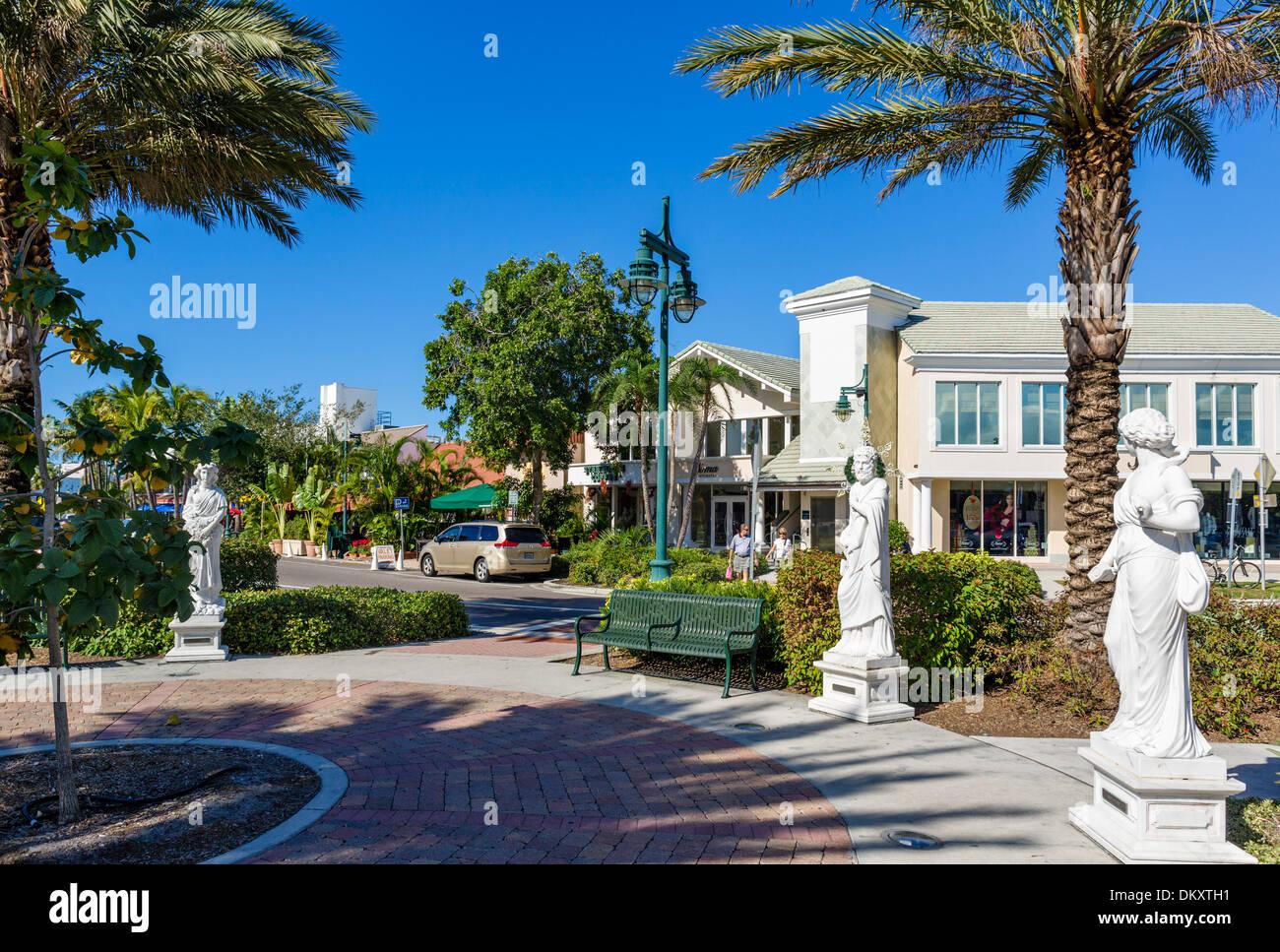 St Armand's Circle, St Armand's Key, Sarasota, Florida, la Costa del Golfo de EE.UU. Foto de stock