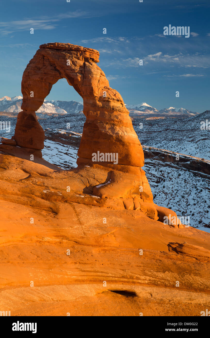 El arco delicado, Parque Nacional Arches, en Utah, EE.UU. Foto de stock