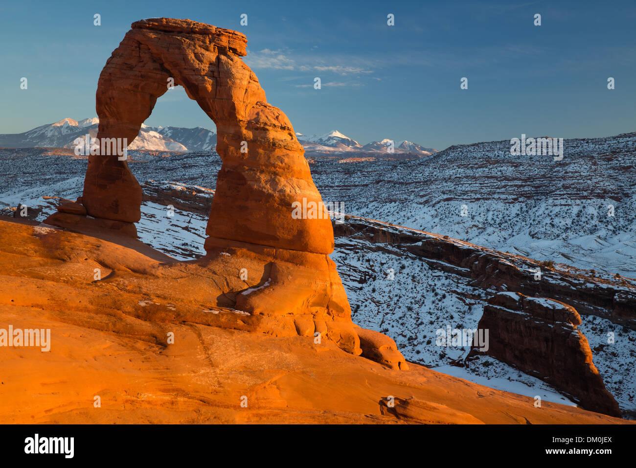 El arco delicado, Parque Nacional Arches, en Utah, EE.UU. Imagen De Stock