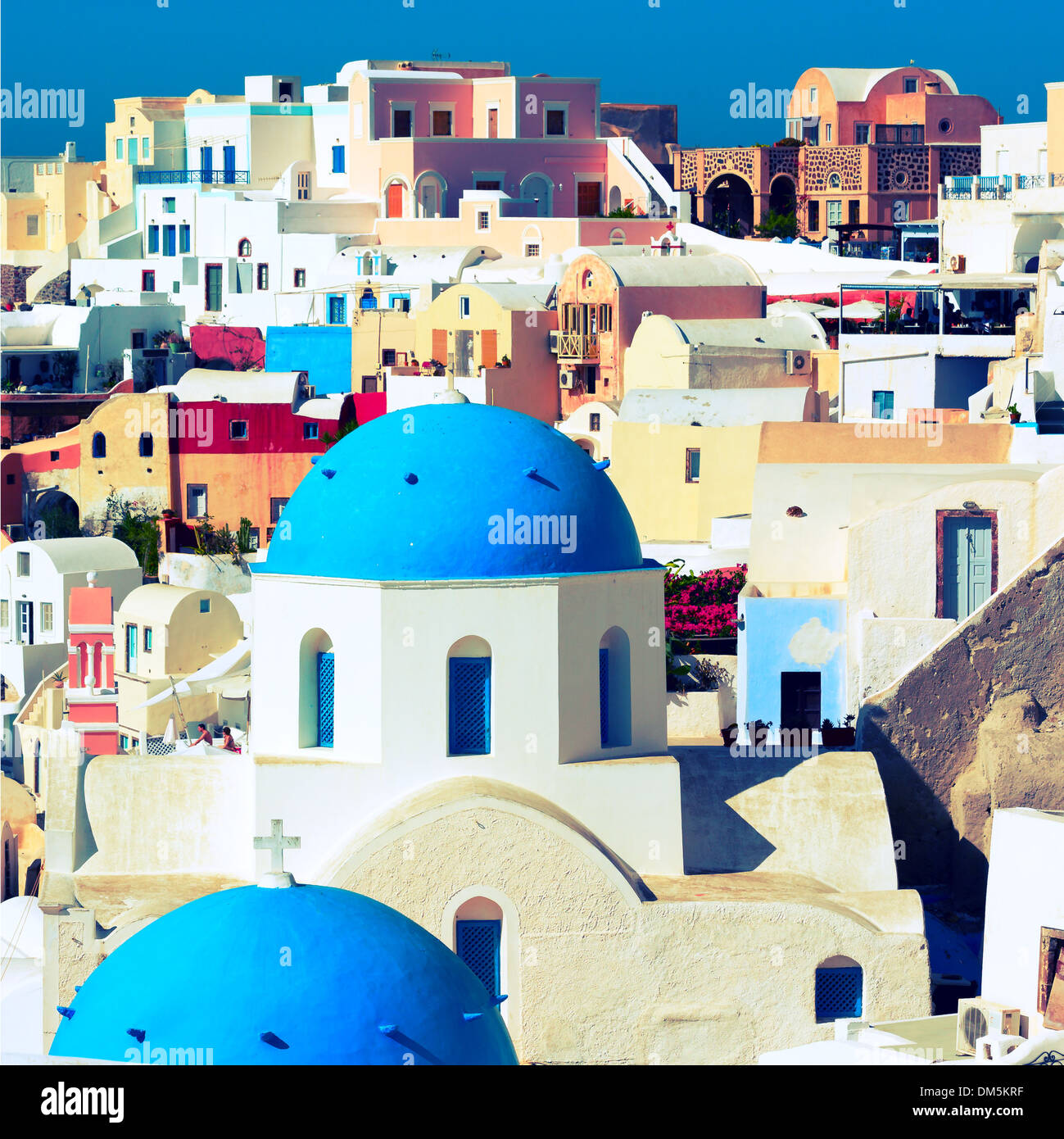 Iglesia ortodoxa en la isla de Santorini, Grecia Imagen De Stock
