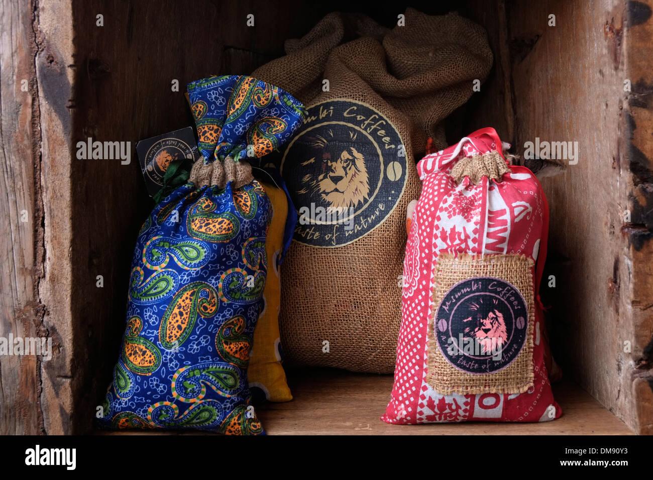 9962efab5 Los sacos de café en el norte de Tanzania, África Oriental Foto ...