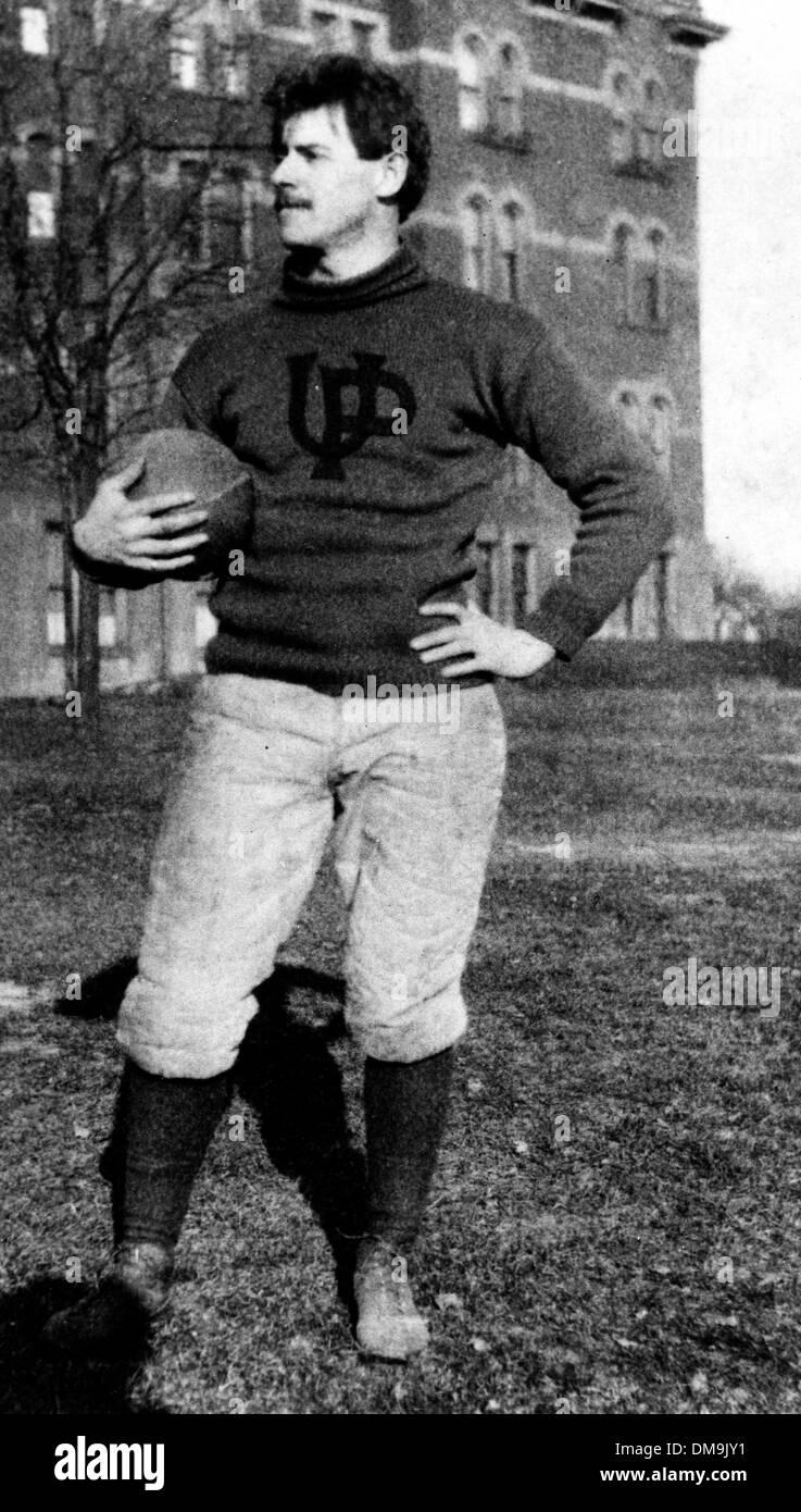 Del 12 de septiembre, 1905 - Filadelfia, PA, EE.UU. - John W. HEISMAN al entrenador de fútbol en la época temprana Foto de stock