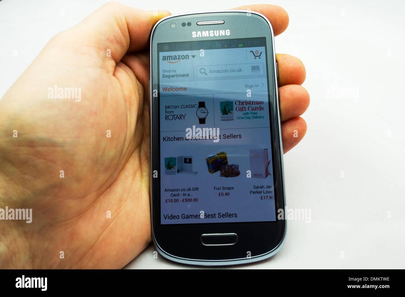 Amazon Móvil aplicación smartphone utilizando aplicaciones online Imagen De Stock