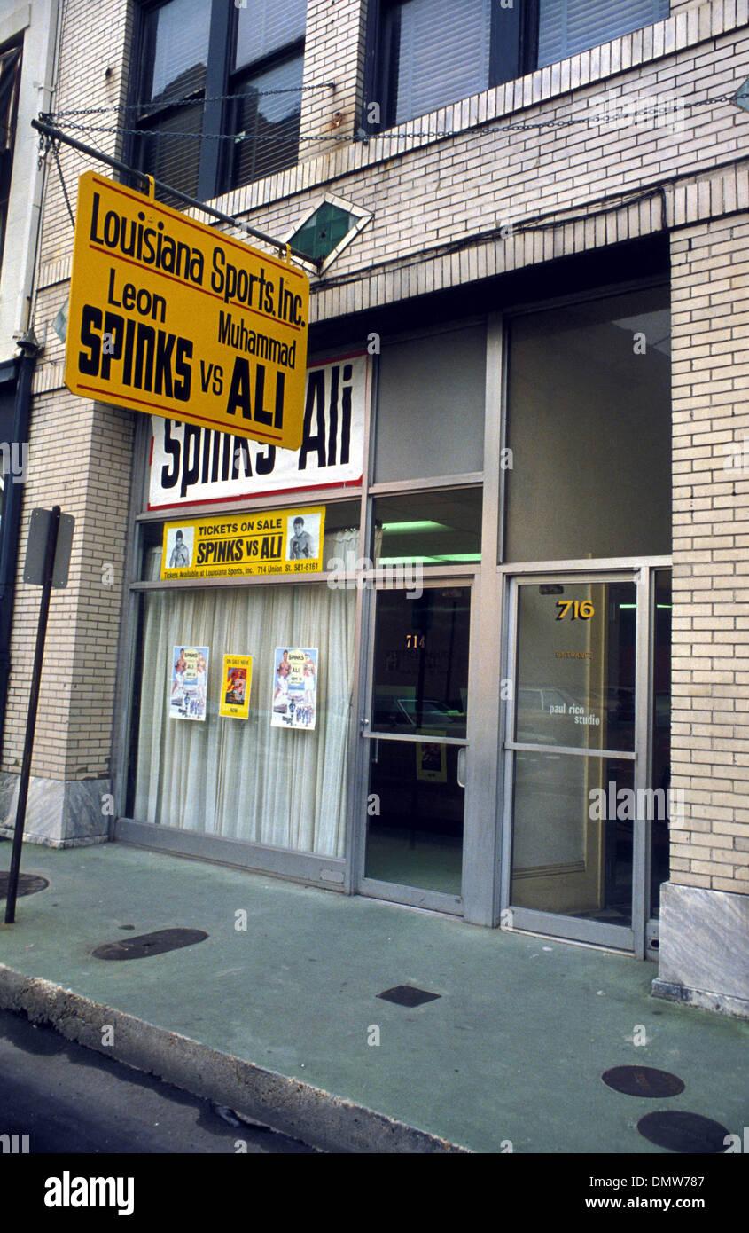 El 15 de septiembre, 1978 - Nueva Orleans, EE.UU. - Uno de los pocos clubes deportivos donde la gente puede comprar Foto de stock