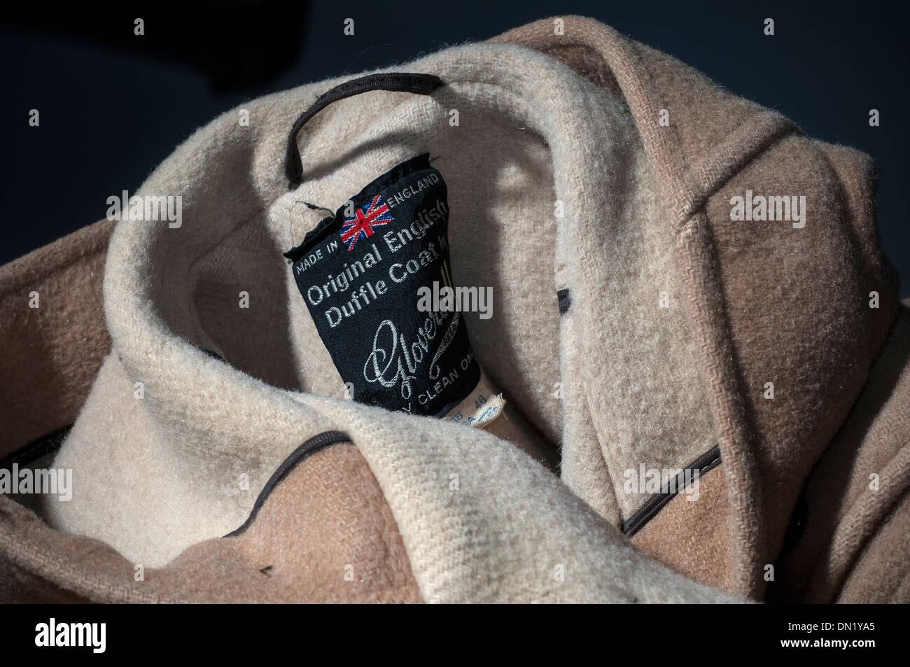 Gloverall,británica auténtica Mens y Womens Señoras Duffle abrigos www.gloverall.com/ Gloverall es el arquetipo Luxury Español Des Imagen De Stock