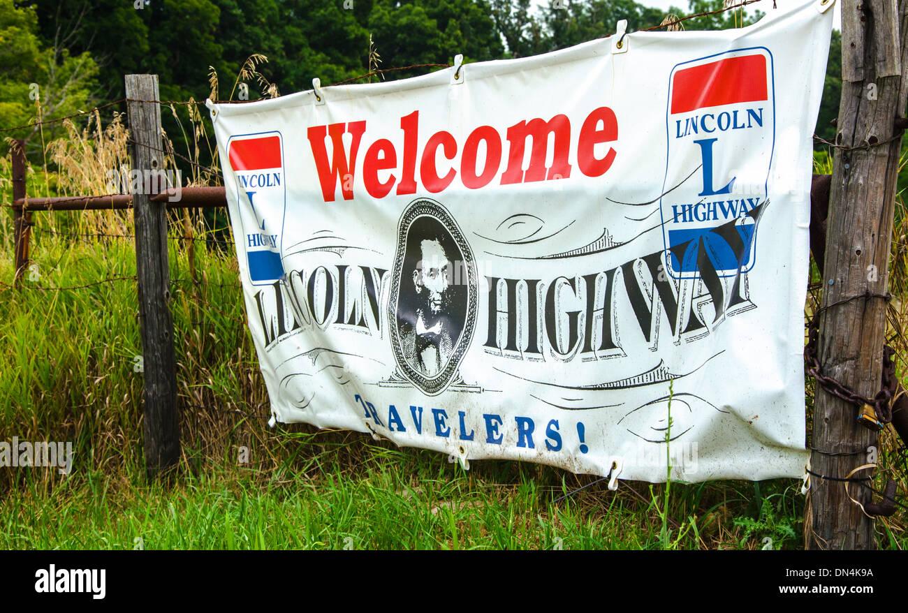 Bienvenido a la Lincoln Highway banner cerca a Franklin Grove, Illinois, una ciudad a lo largo de la Lincoln Highway Imagen De Stock
