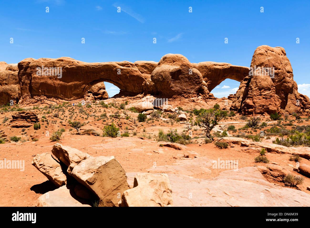 El Norte y el Sur Windows arcos, la sección Windows, Parque Nacional Arches, en Utah, EE.UU. Imagen De Stock
