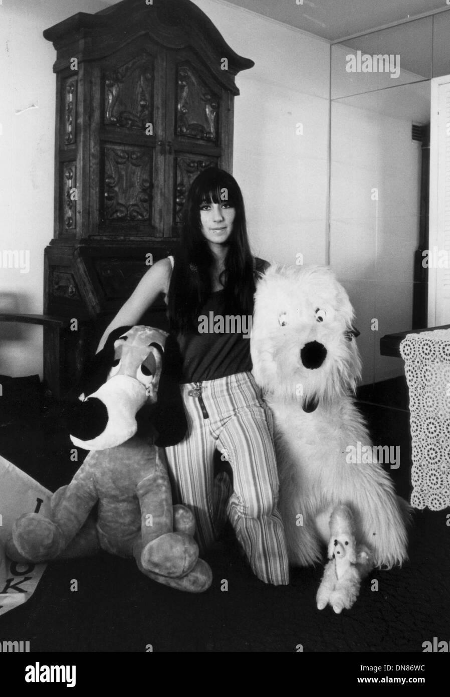 Agosto 26, 2002 - Cher. JAY THOMPSON/(Crédito Imagen: © Globe Photos/ZUMAPRESS.com) Imagen De Stock