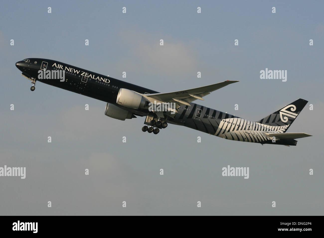 BOEING 777 de Air New Zealand All Blacks RUGBY Imagen De Stock