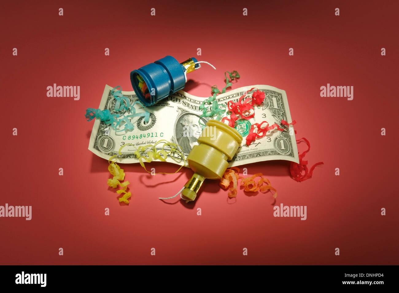 Un US dólar bill con favores del partido. Imagen De Stock