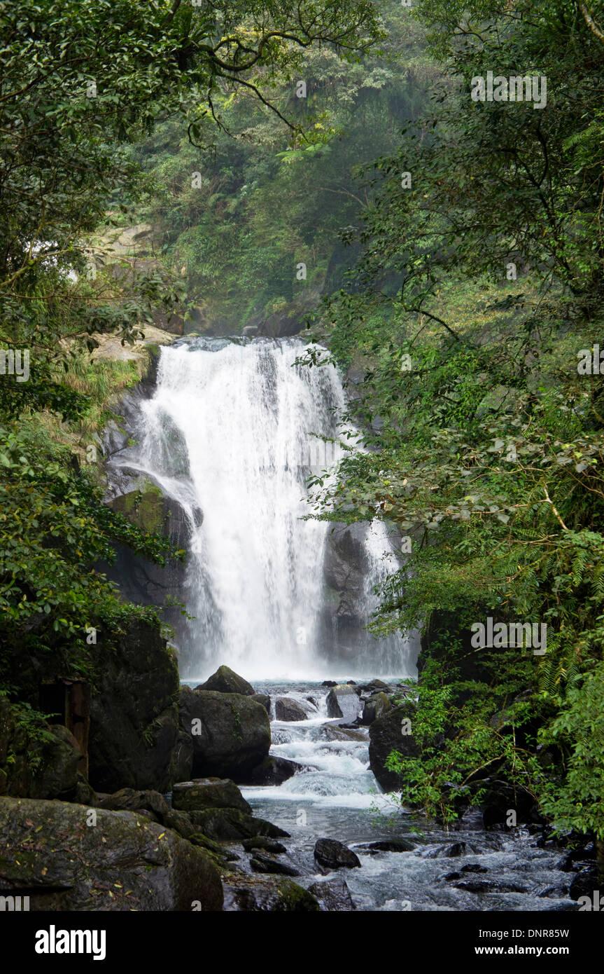 Cascada en el valle de Wulai, Taiwán Imagen De Stock