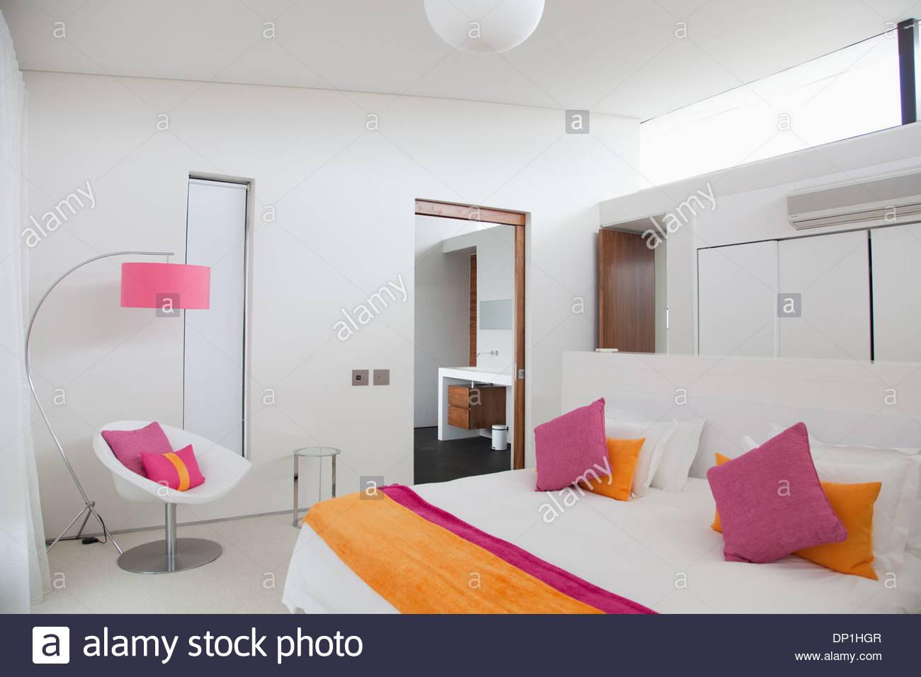 Dormitorio en casa moderna Imagen De Stock