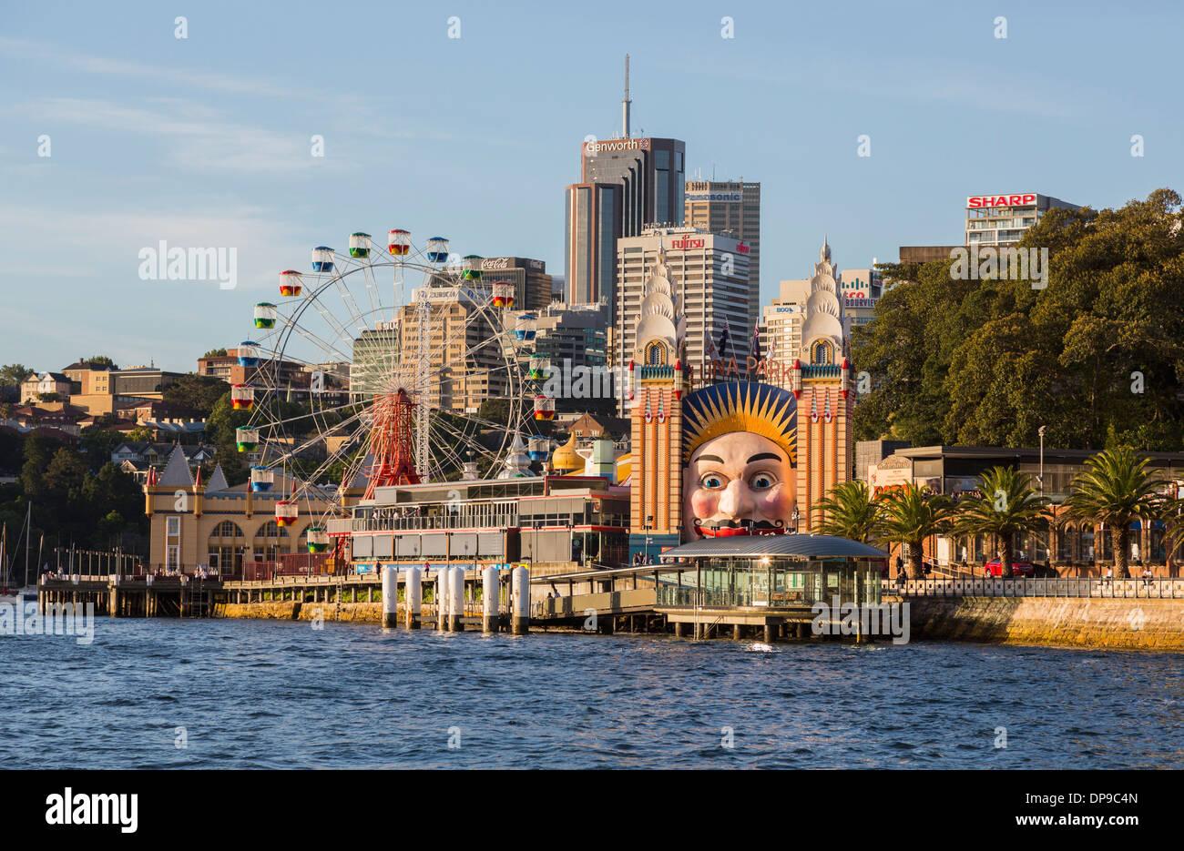 Luna Park y el parque de diversiones de la ciudad de Sydney, Australia Imagen De Stock