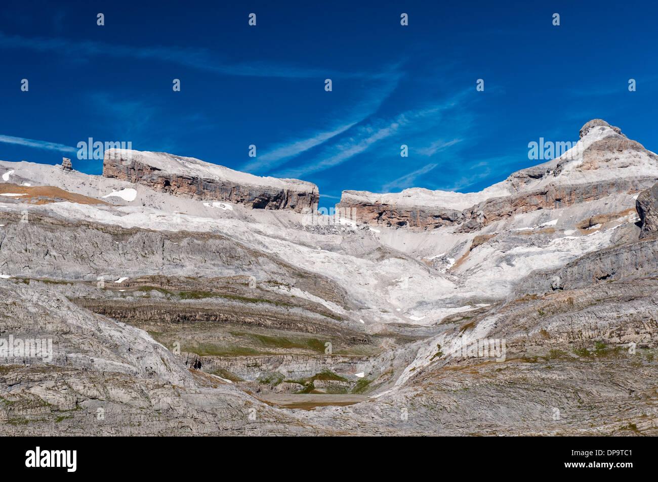 Breche de Roland, El Casco y Plano de Millaris de montaña en el Parque Nacional Valle de Ordesa, del Circo de Cotatuero Foto de stock