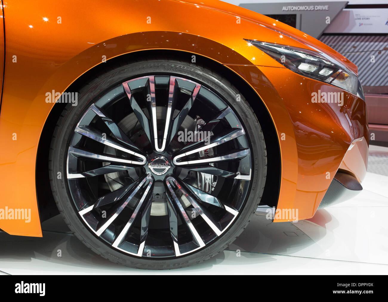 Detroit, Michigan - Nissan Sport Sedán concept car en la exhibición en el North American International Auto Show. Imagen De Stock