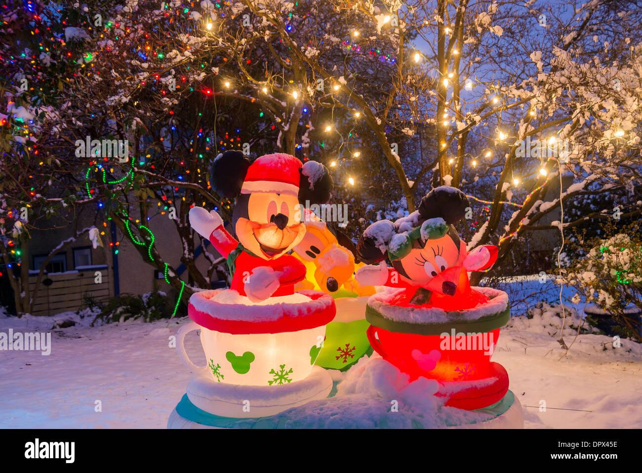 Mickey Mouse, Minnie y Goofy, Navidad, visualización Foto de stock
