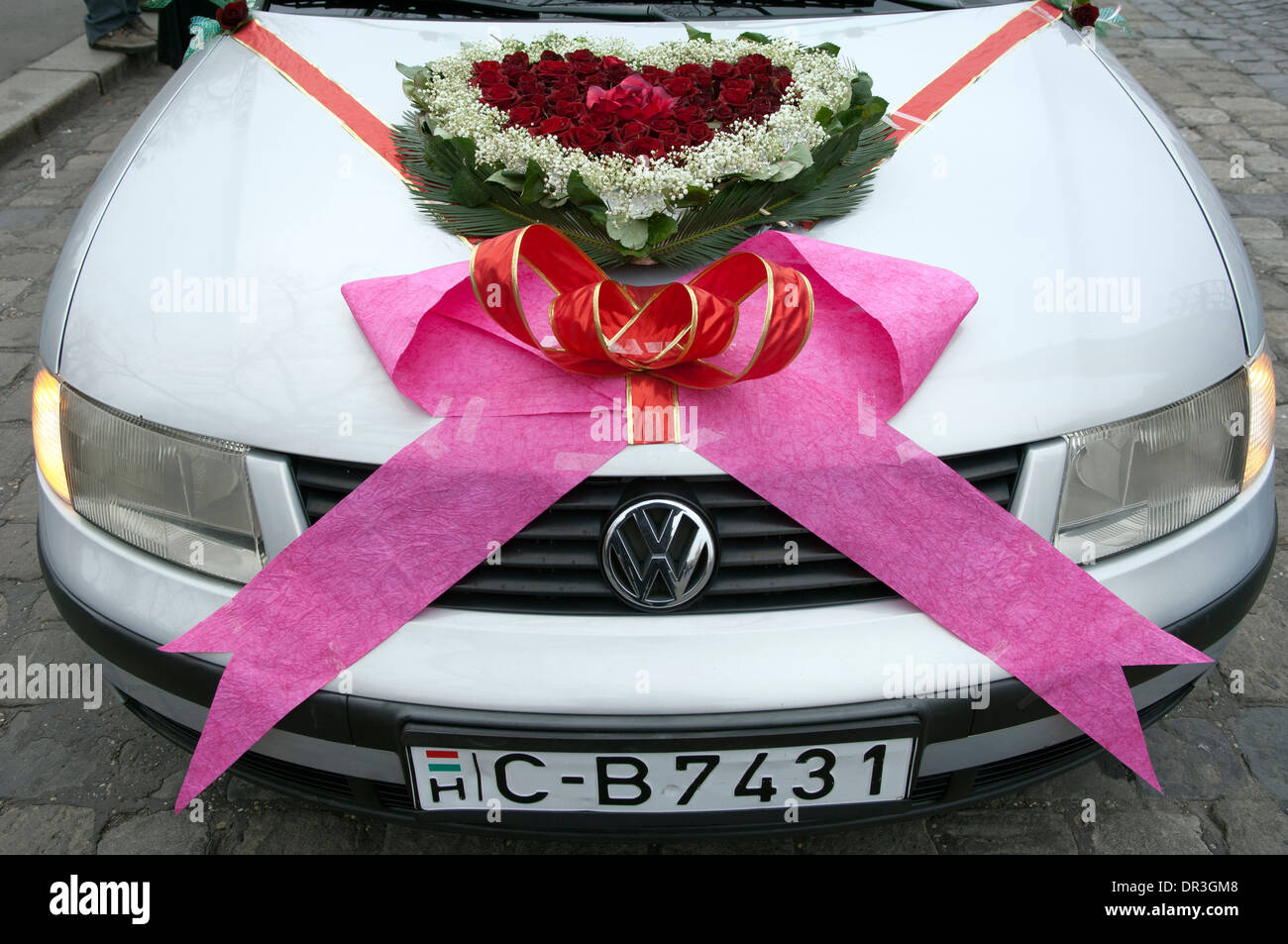 Wedding Car Ribbons Imágenes De Stock & Wedding Car Ribbons Fotos De ...