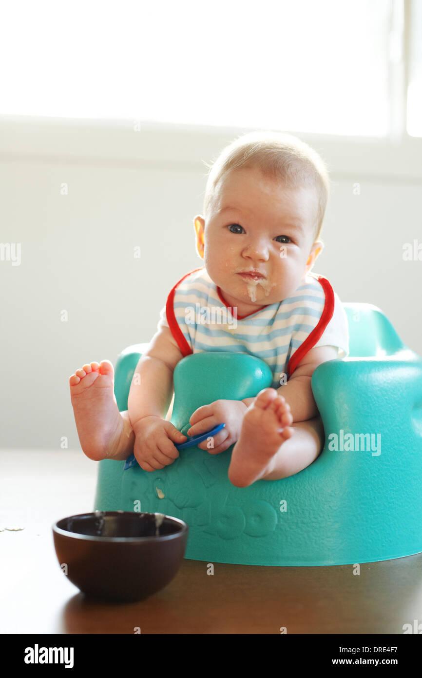 Bebé Spoon Fed Imagen De Stock