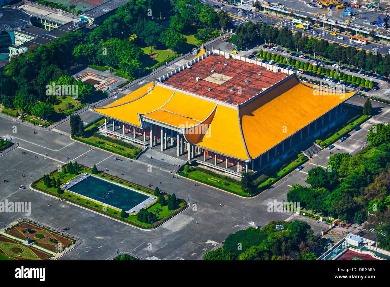 Taipei, Taiwán al Dr. Sun Yat-sen Memorial Hall vista aérea. Imagen De Stock