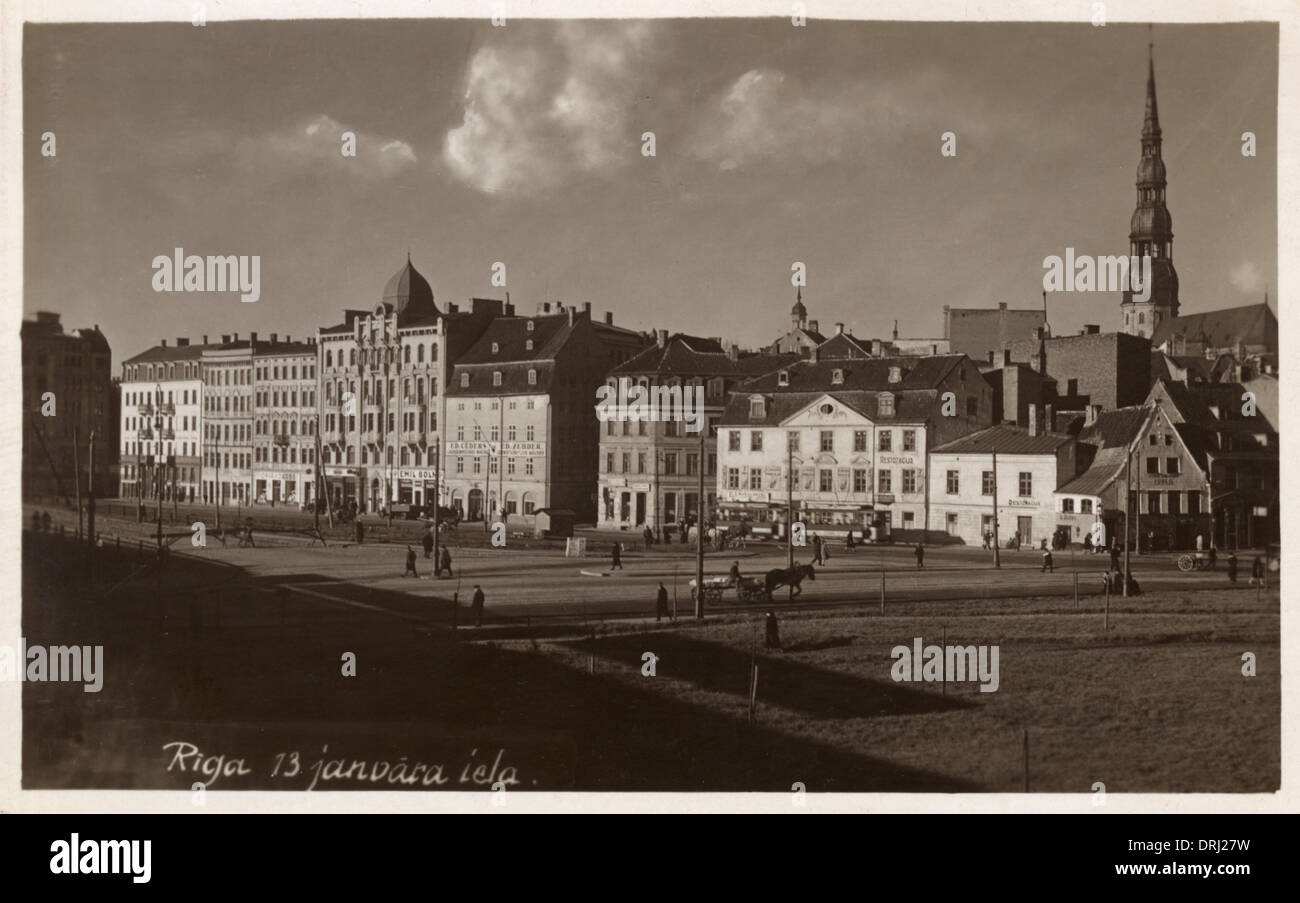Vista de 13 Janvara Iela en Riga, Letonia Imagen De Stock