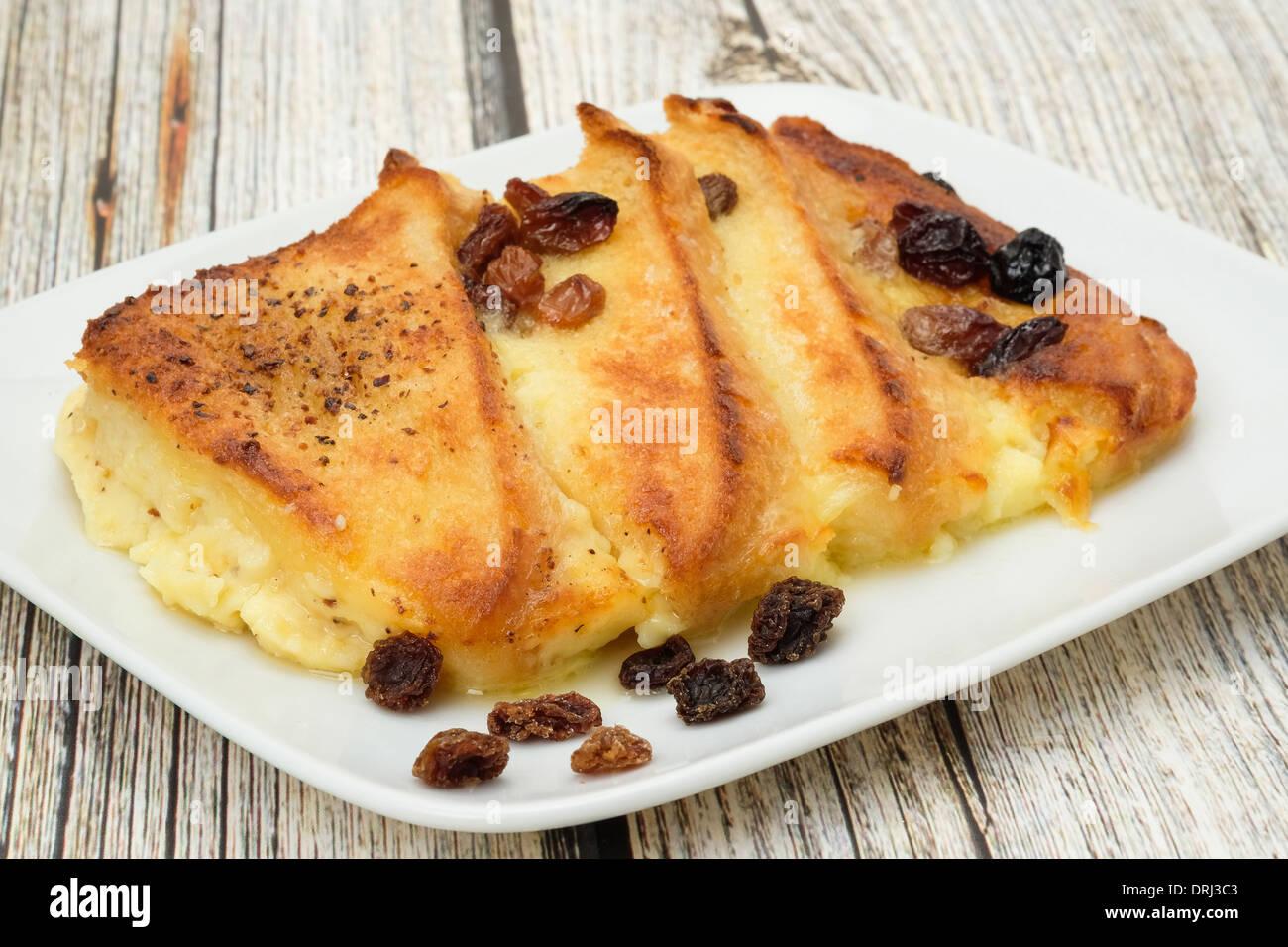 Recién horneadas el budín de pan y manteca - Foto de estudio Foto de stock
