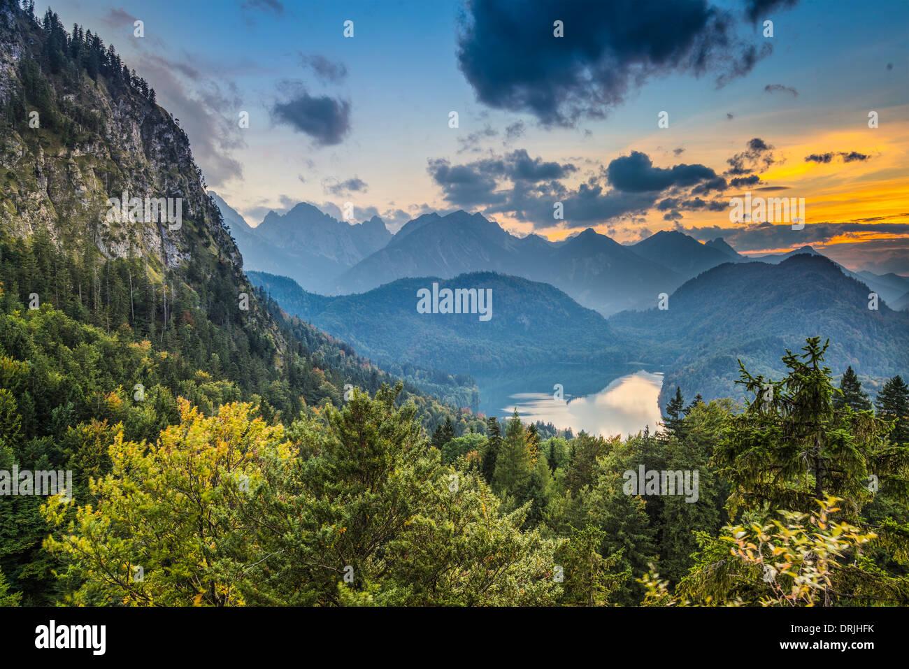 El paisaje de los Alpes de Baviera en Alemania. Imagen De Stock