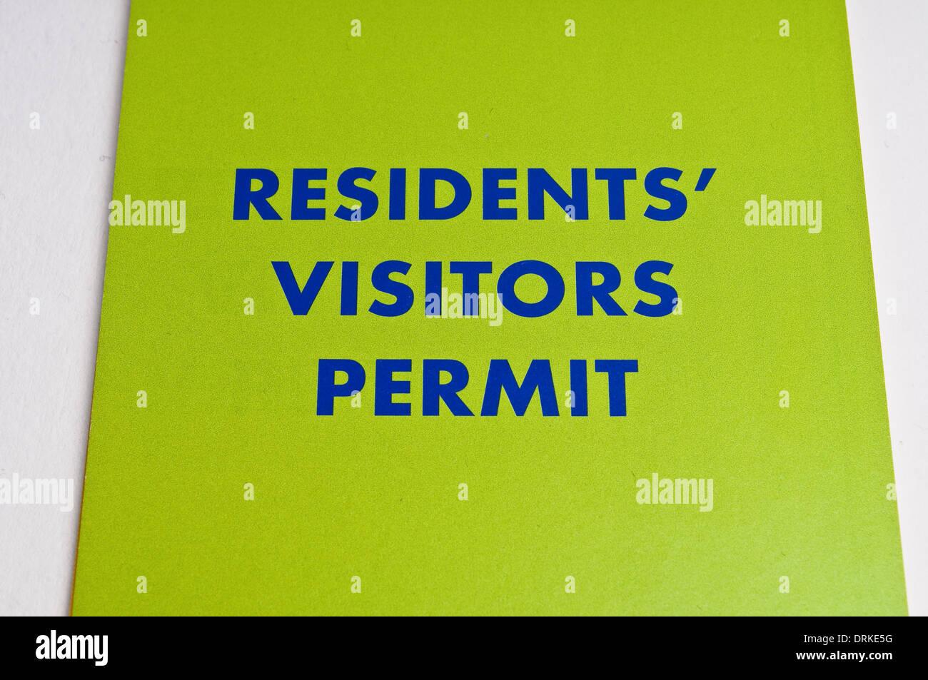 Permiso de estacionamiento de visitantes residentes folleto, London Borough of Richmond upon Thames, Inglaterra, Reino Unido. Foto de stock