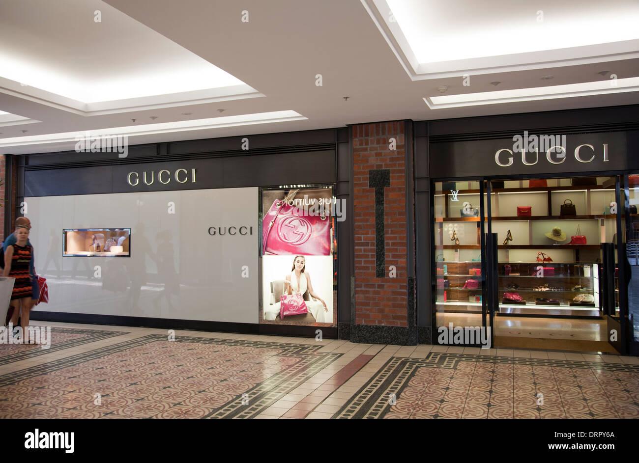 Tienda de Gucci en el V A Waterfront en Ciudad del Cabo - Sudáfrica Imagen  De Stock e28b39fd0b0