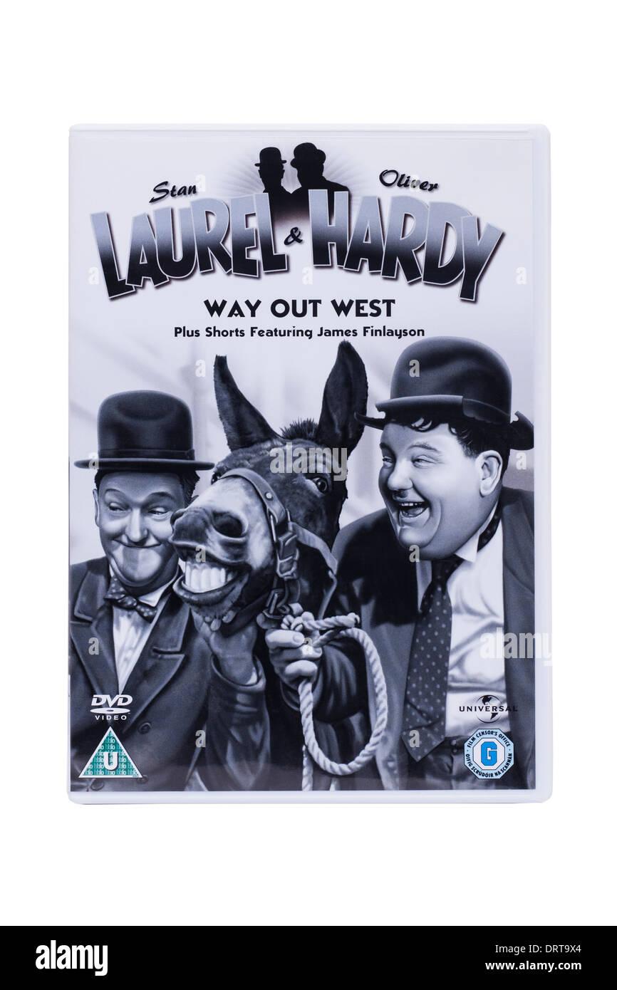 Un clásico Laurel & Hardy dvd película sobre un fondo blanco. Imagen De Stock