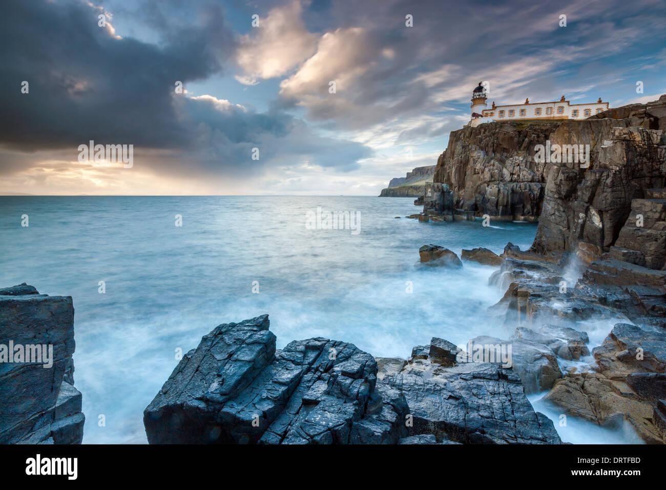 Faro de Neist Point, Isla de Skye, Inner Hebrides (Escocia, Reino Unido, Europa. Foto de stock