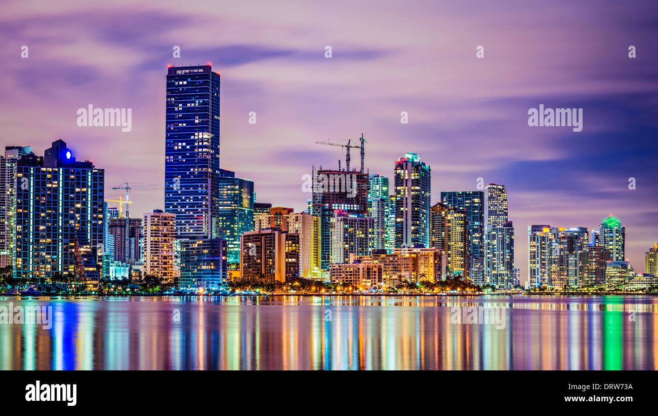 Miami skyline en Biscayne Bay. Imagen De Stock