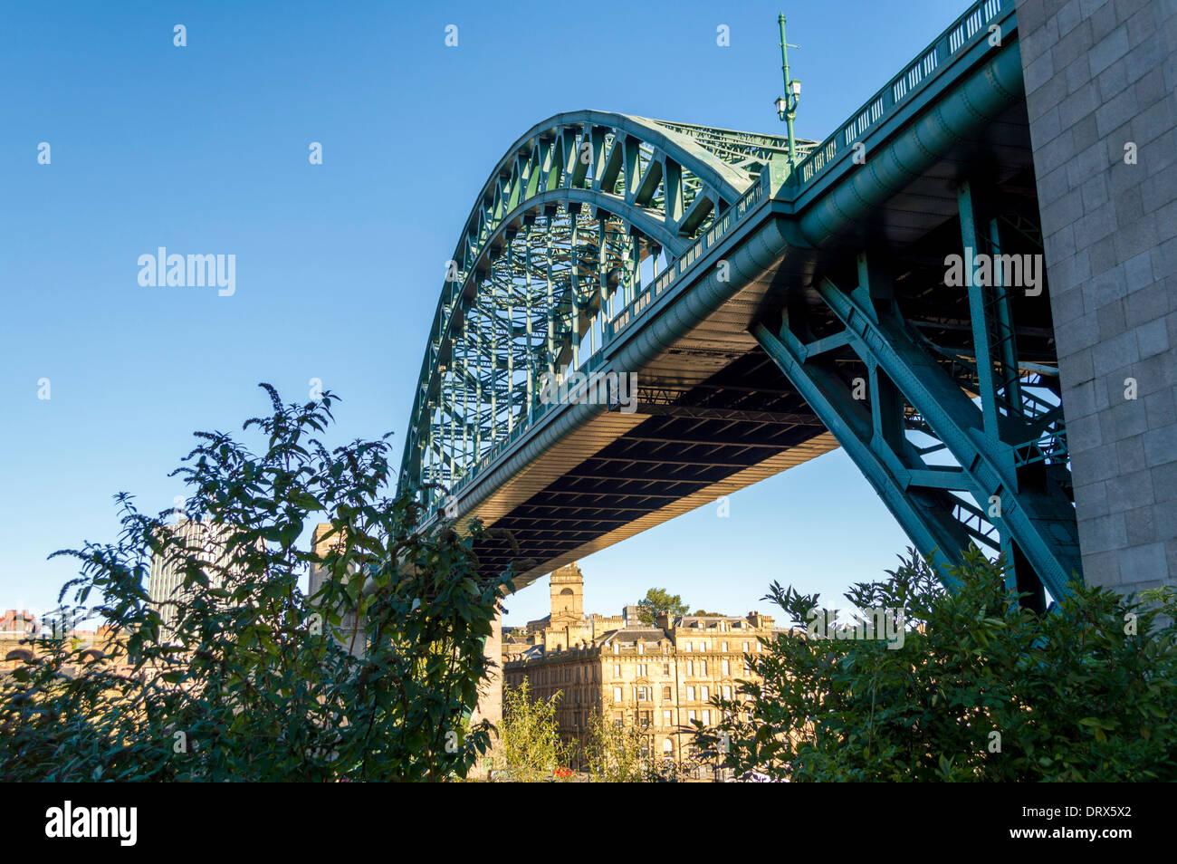 Tyne Bridge spanning el río Tyne a unirse a Gateshead y Newcastle, Reino Unido. Foto de stock