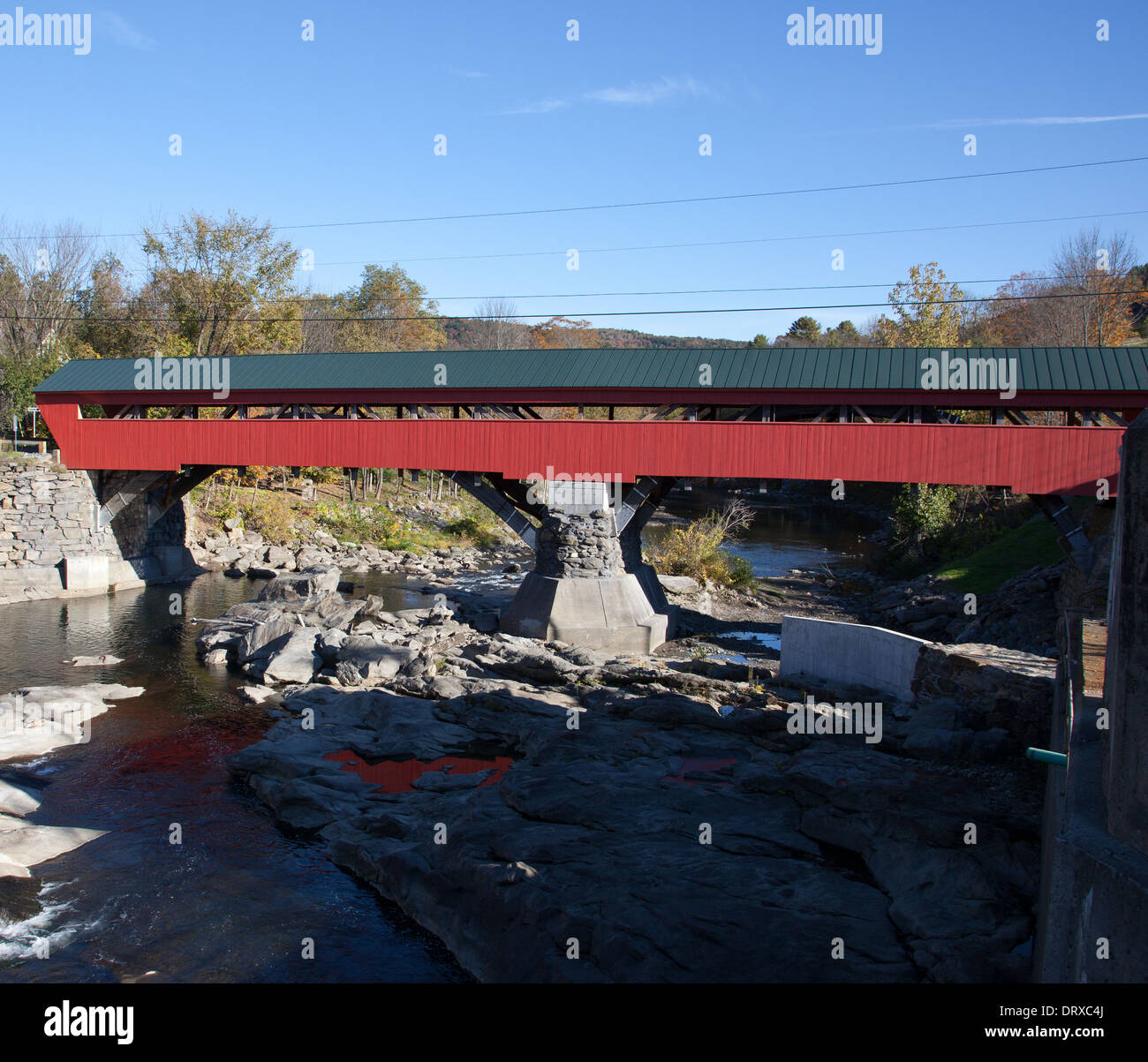 Windsor County (Woodstock), Vermont: El Puente Taftsville. Imagen De Stock