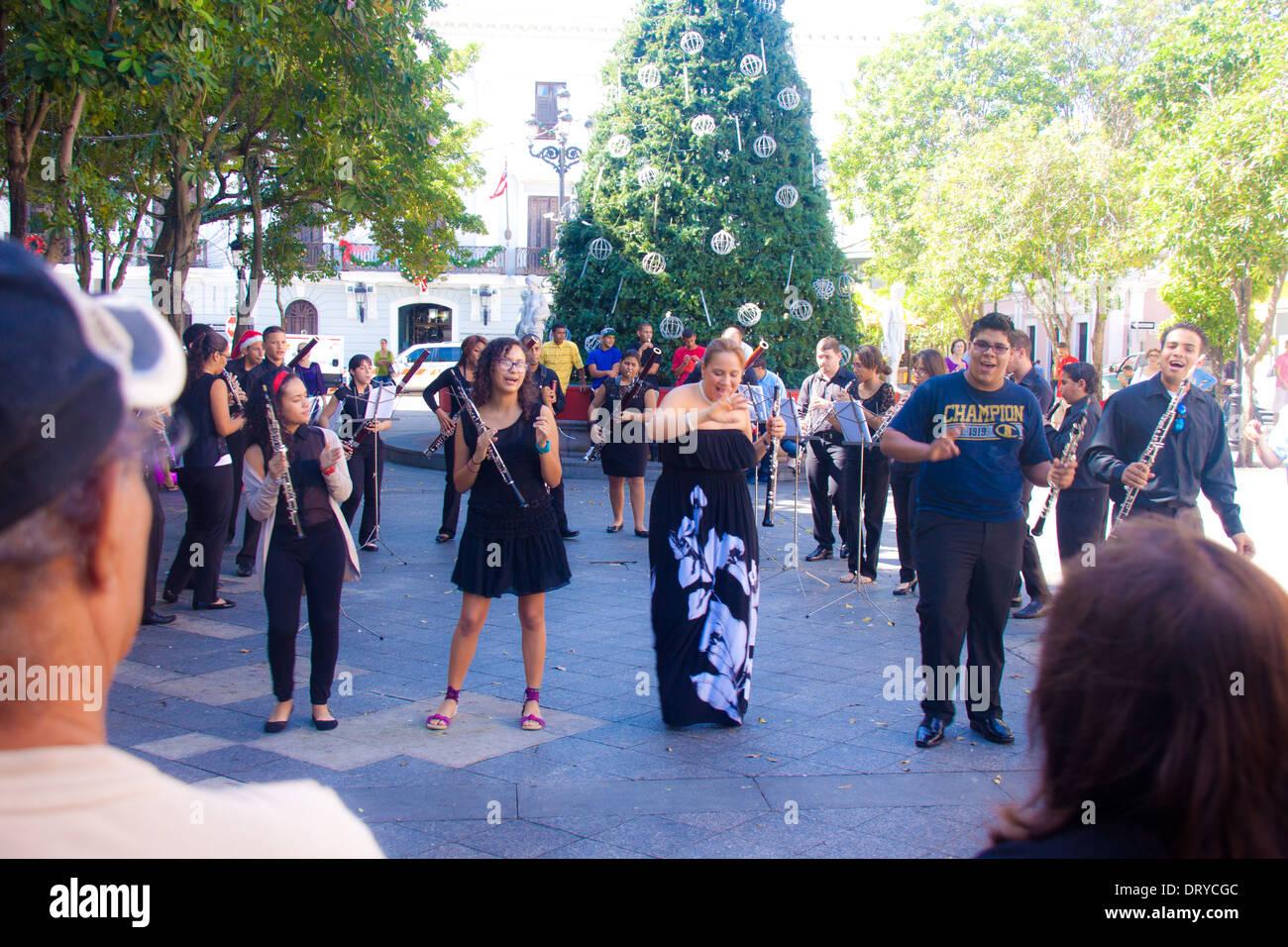 Feliz Navidad Clarinete.Grupo Musical Compuesto De Oboes Fagots Y Clarinetes