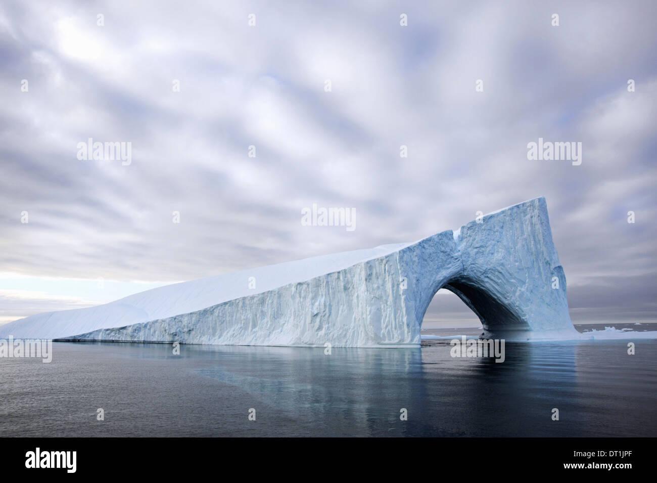 Los icebergs en la Bahía de Baffin cerca de Groenlandia Imagen De Stock