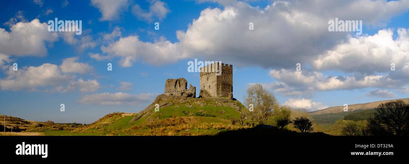 Dolwyddelan Castle, el Parque Nacional de Snowdonia, Gales del Norte Foto de stock