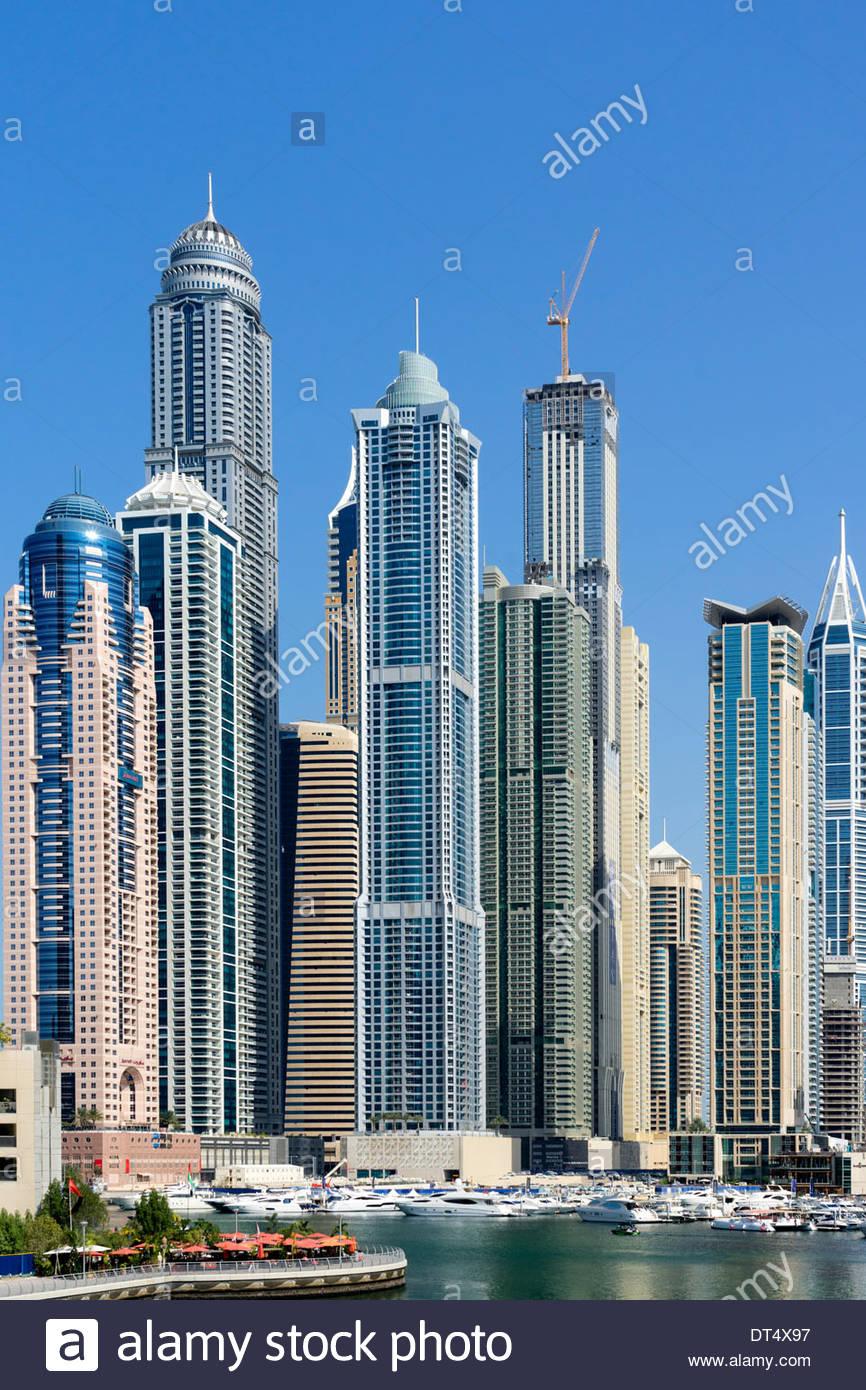 Los rascacielos en la zona del puerto deportivo de Dubai, Emiratos Árabes Unidos Imagen De Stock