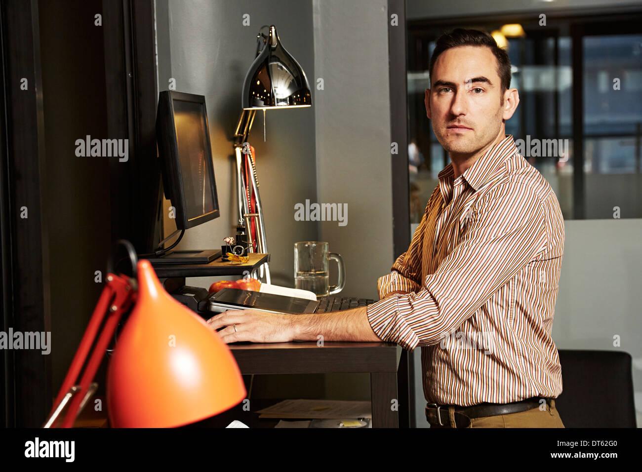 Retrato del empresario en la oficina Imagen De Stock